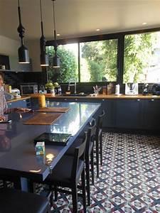 Renovation Carrelage Sol Cuisine : cuisine au carrelage losanges ancien sophie bannwart ~ Edinachiropracticcenter.com Idées de Décoration