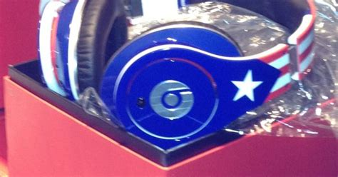 special edition beats  drdre  puerto rican flag