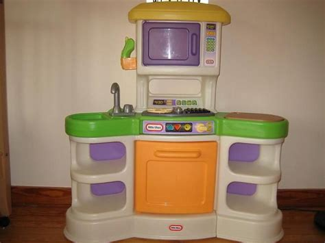 fisher price country kitchen tikes kitchen sets crafts toys and 7210