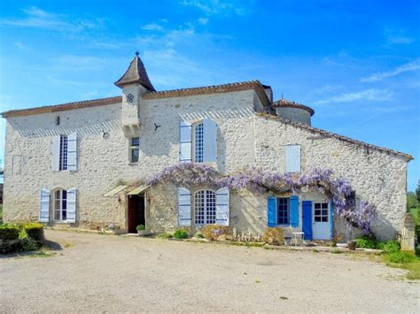 chateau 224 vendre en aquitaine lot et garonne villeneuve sur lot beau manoir avec potentiel