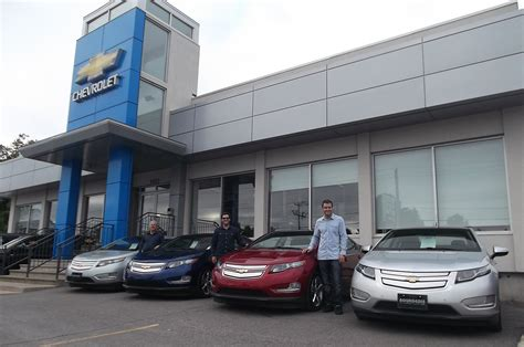 Canadian Electriccar Dealership Awards Honor Sales
