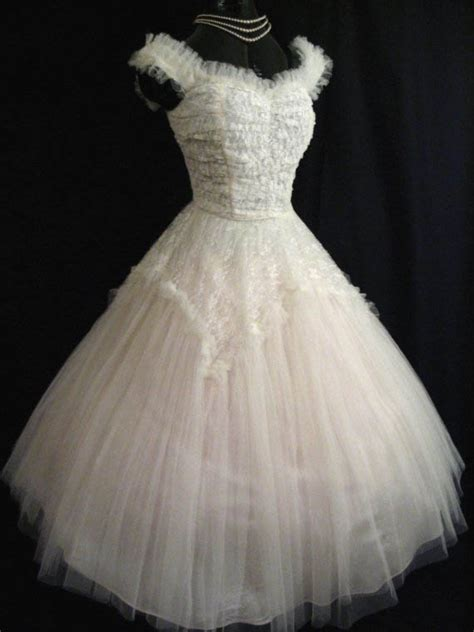 help me find my wedding dress help me find the rockabilly dress for my vegas