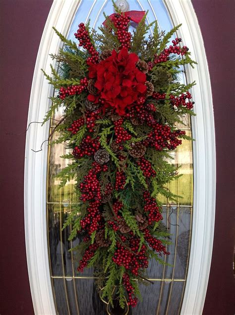 attractive wreaths christmas decorations ideas