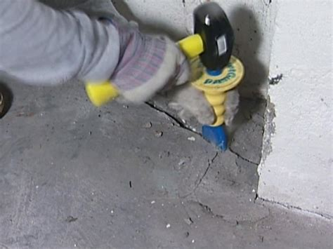 How to Repair Concrete Cracks   how tos   DIY
