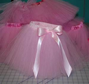 Tuto Tutu Tulle : a tutu tutorial a tututorial sewing tutu tutorial tutu sewing clothes ~ Melissatoandfro.com Idées de Décoration