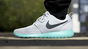 "Nike Roshe Run ""Calypso"" (on feet) - YouTube"