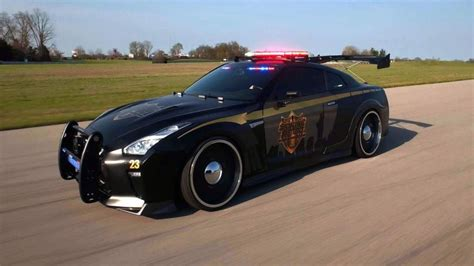 fastest police car nissan gt r police car is real stanced and fast