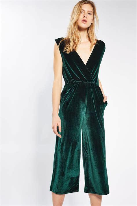 The 25+ best Velvet jumpsuit ideas on Pinterest | Velour jumpsuit Romper clothing and vestido ...
