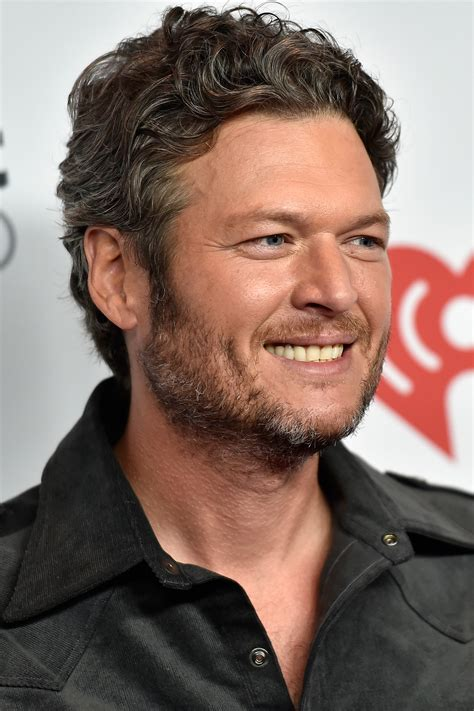 blake shelton images blake shelton shows off new weight loss after divorce from