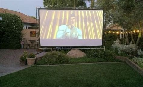 Backyard Theater Screen by 25 Best Backyard Theaters Ideas On