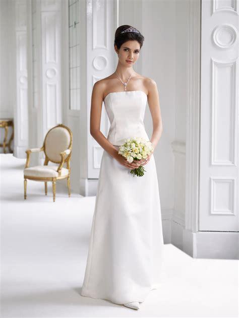 wedding dresses color attire