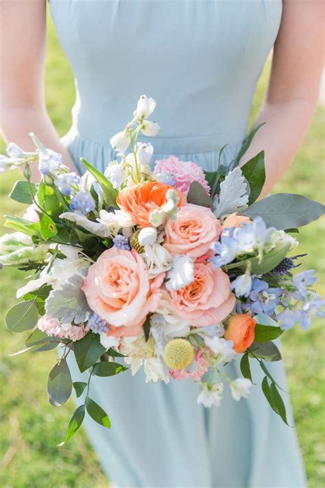 Gorgeous Peach And Pink Flowers Make The Perfect Summer