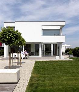 Schöner Wohnen Gartengestaltung : 1 platz kubisches wohnhaus ganz in wei sch ner wohnen ~ Bigdaddyawards.com Haus und Dekorationen