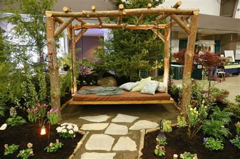 canape lit but canapé et lit suspendu pour décoration de terrasse et jardin