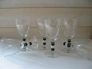 Verre A Vin Noir : couleur table by vl produits verres de table ~ Teatrodelosmanantiales.com Idées de Décoration