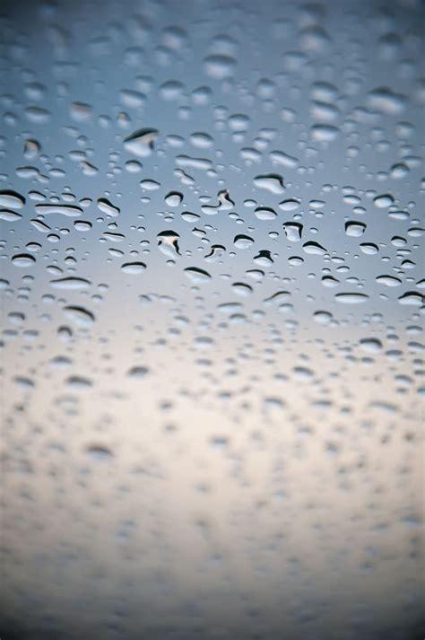 capturing creative shots  raindrop patterns