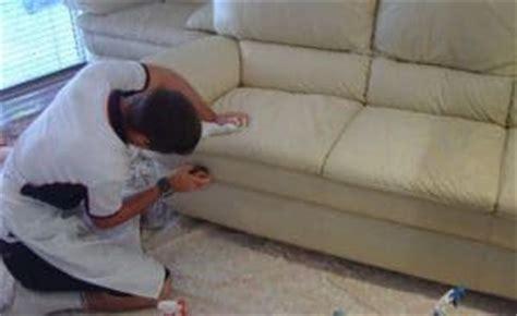 nettoyer canap en cuir nettoyer un canapé en cuir et même le blanc