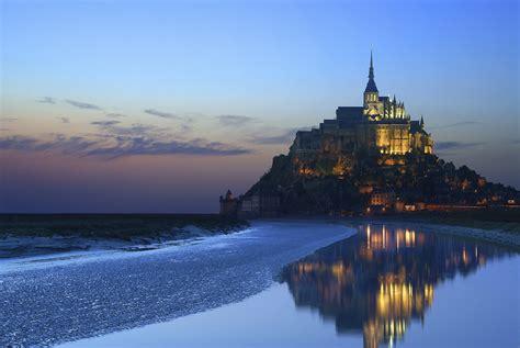 photos mont michel mont michel s emerald city into the blue ryanair travel