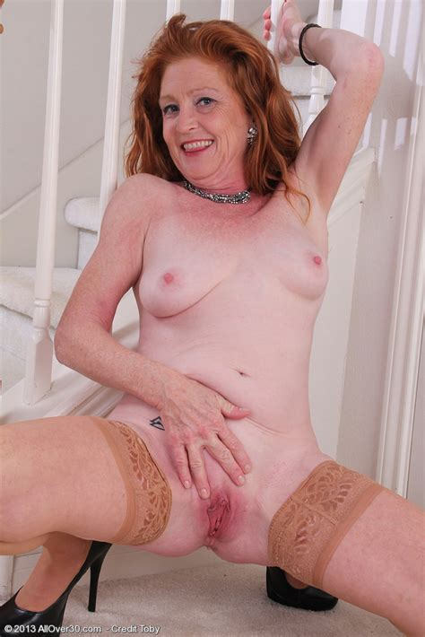 Mature Redhead Tami Estelle Cuddle Her Twins / MILF Fox