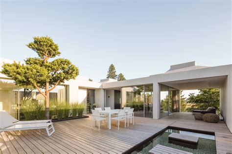 Courtyard Homes by 4 Courtyard Houses By Think Architecture