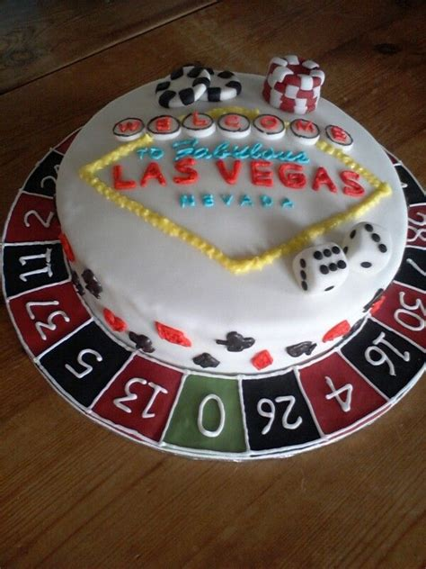 ideas  casino cakes  pinterest poker cake