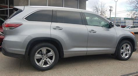 toyota highlander   row suv