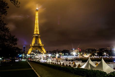 A Weekend Away To Paris At Christmas  Easy Booking Group