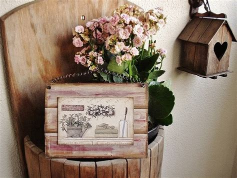 recycled pallet wood decor crafts upcycle art