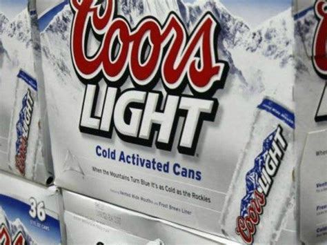 30 rack of coors light man has 39 mean tweet 39 read by obama scores free booze