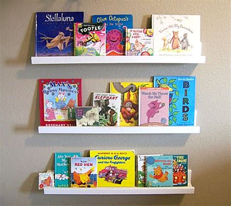 DIY Kids Bookshelf