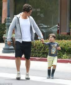 Orlando Bloom plays doting dad to son Flynn on low-key ...