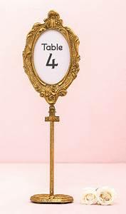 Cadre Photo Sur Pied : le cadre ovale baroque dor marque table sur pied noel ~ Teatrodelosmanantiales.com Idées de Décoration