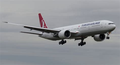 turkish airlines says resumes ticket sales to russian