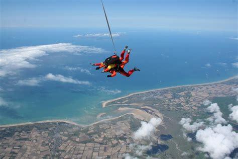 saut en parachute mont michel saut en parachute mont michel parachutisme en normandie