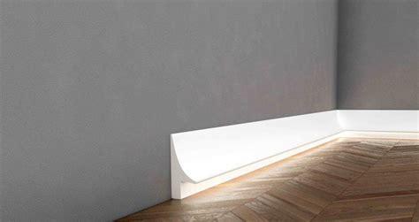 Sockelleisten Mit Led Beleuchtung by Beleuchtete Bodenleisten Wei 223 Mit Led Beleuchtug