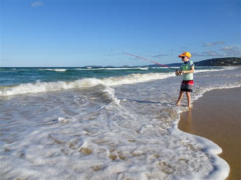 Fishing Boat Hire Rainbow Beach by Things To Do In Rainbow Beach Your Complete Family