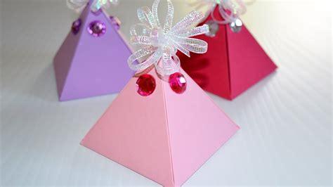 cuisiner des cardons comment fabriquer une boite cadeau facile diy boite en papier pyramide