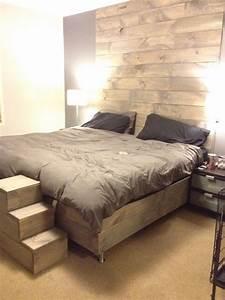 notre chambre a coucher mur et lit en bois de grange With mur de chambre en bois
