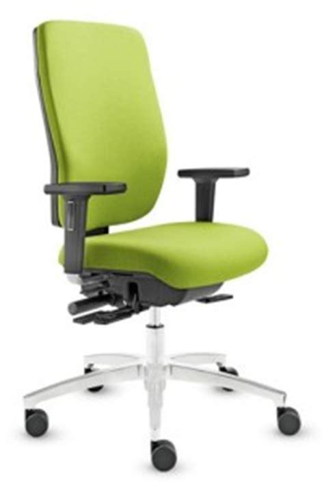 chaise bureau mal de dos mal au dos testez le fauteuil ergonomique de bureau illico