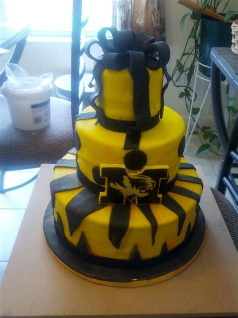 images  graduation cake  pinterest