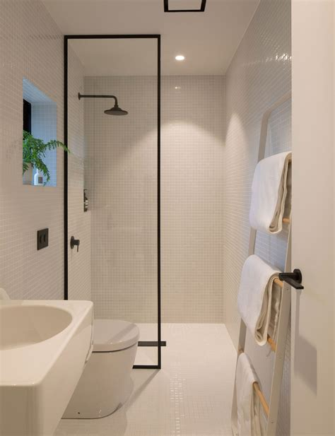 minimalist design   small bathroom    level minimalist bathroom design