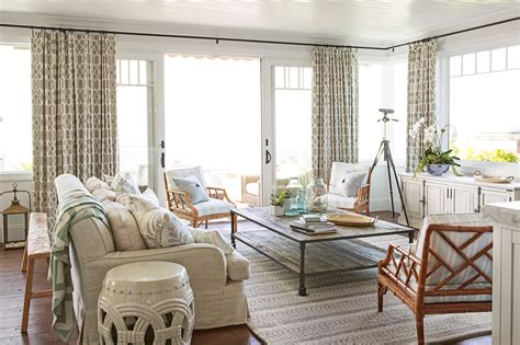 beach house style coastal decorating tips  tricks