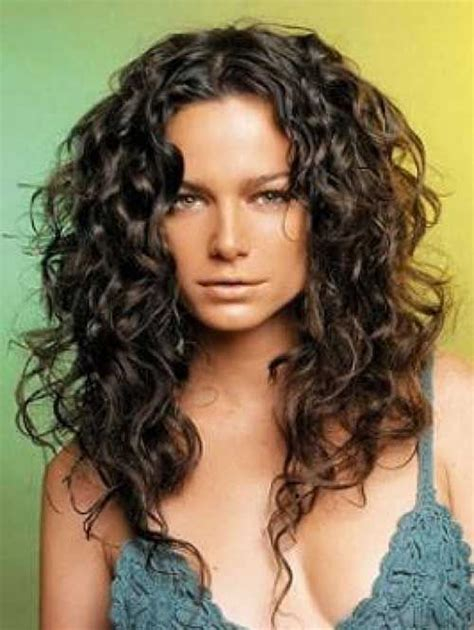 layered haircuts best 25 curly haircuts ideas on curly 9887