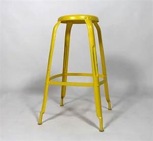 Chaise Bar Industriel : tabouret de bar industriel jaune ~ Farleysfitness.com Idées de Décoration