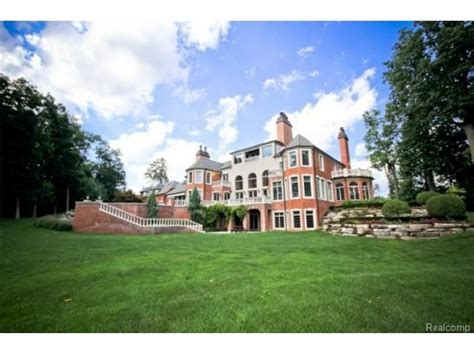 wow house voyeur michigans   expensive mansions