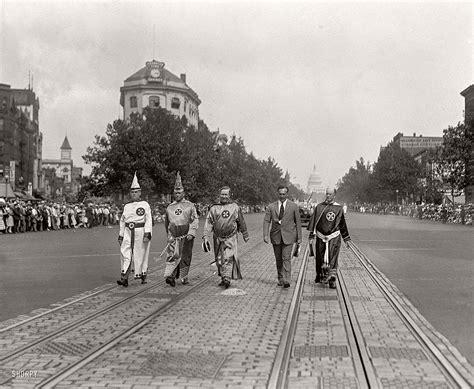 Vintage: photos of Ku Klux Klan Parade in 1920s | MONOVISIONS