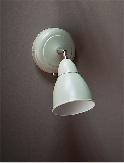 wall mounted bedside light classic design