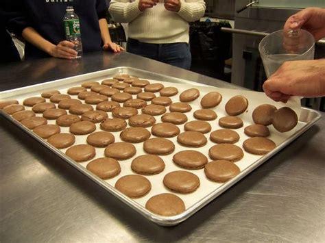 cours de cuisine macarons le hamburger et le croissant cours de cuisine macarons