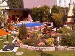 Gartenanlage Mit Pool : pool schwimmbad 39 pool und garten 39 madini 39 s reihenhaus zimmerschau ~ Sanjose-hotels-ca.com Haus und Dekorationen