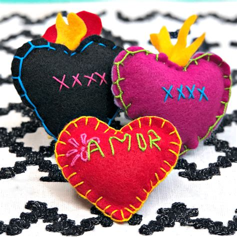 Stitched Felt Hearts The Crafty Chica